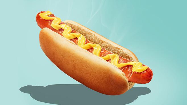 Hotdog©iStock.com/vvmich