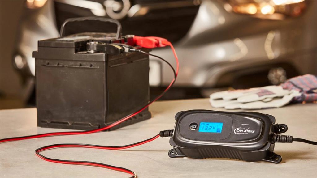 Medion MD19161: Kfz-Batterieladegerät bei Aldi