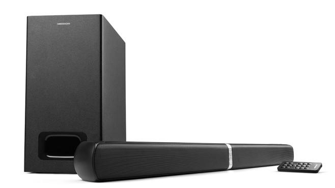 Medion E64126 Soundbar bei Aldi: Geteilte Freude ist doppelte Freude! Die knapp 84 Zentimeter breite Soundbar lässt sich in der Mitte zweiteilen und als Stereo-Boxenpaar verwenden, der Subwoofer ist etwa so groß wie ein Jahrgang COMPUTER-BILD-Zeitschriften.©Medion