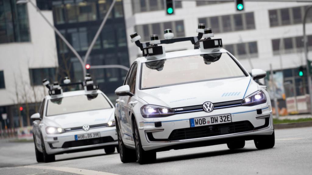 Mitten in Berlin: Teststrecke für autonome Autos eröffnet