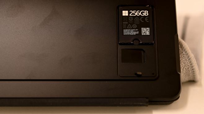 Microsoft Surface Pro X: SSD im Mini-Format©COMPUTER BILD