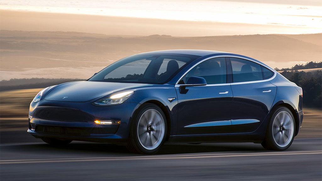 Furzender Tesla: Elon Musk plant schräge Warntöne