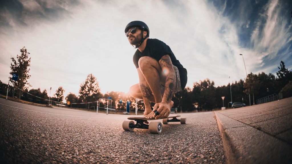 Grüner skaten: Jaykay zeigt E-Longboard-Achse bei DHDL
