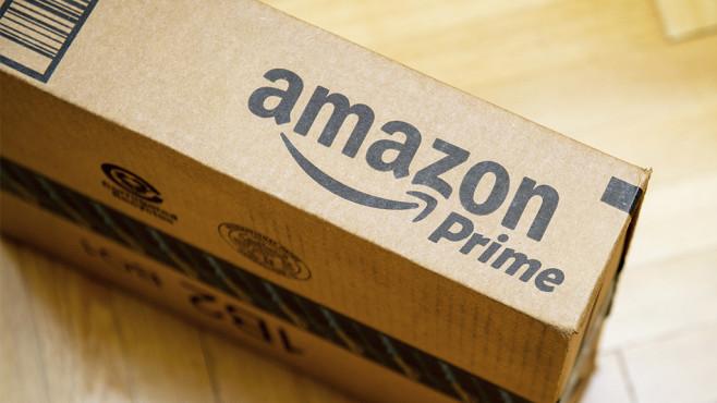 Amazon-Paket©istock.com/ AdrianHancu
