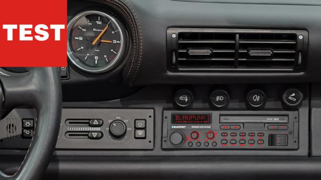 Blaupunkt Bremen SQR 46 DAB: Das Youngtimer-Digitalradio im Praxistest Blaupunkt Bremen SQR 46 DAB im Test: Das neue Radio mit Digitalempfang und Bluetooth-Freisprecheinrichtung fügt sich perfekt in Autos der 80er und 90er ein.©Blaupunkt