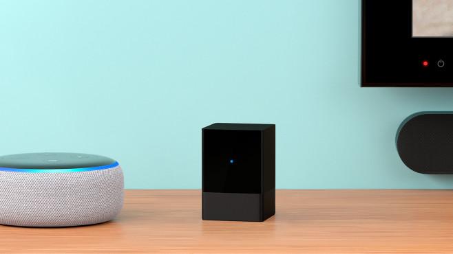 Amazon Fire TV Blaster neben Echo Dot©Amazon