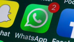 WhatsApp auf Smartphone©iStock.com/stockcam