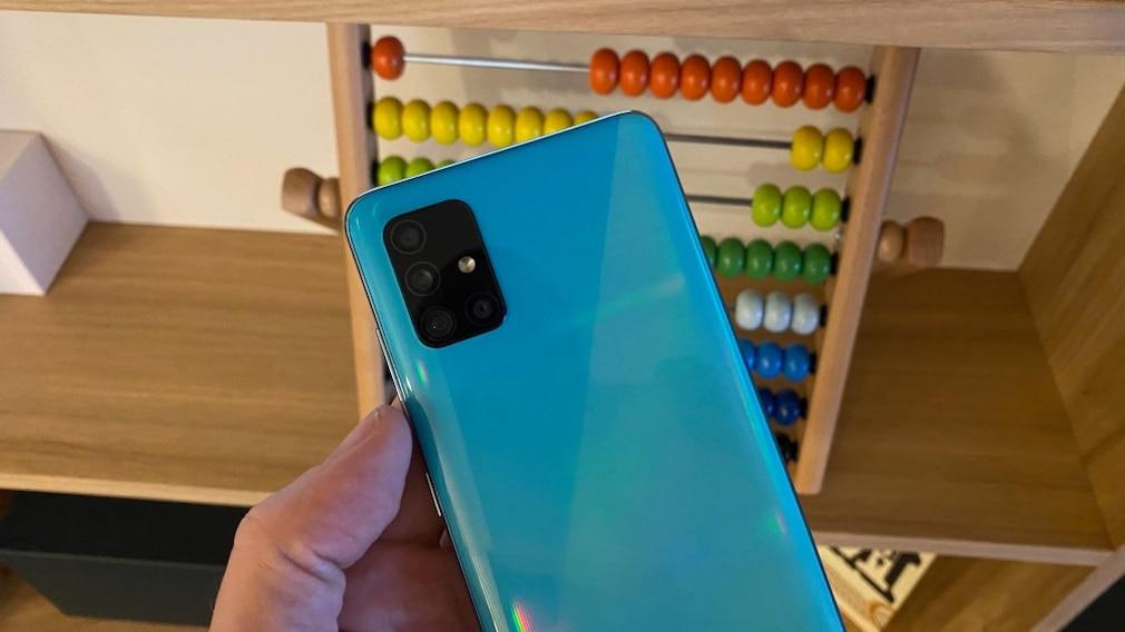 Samsung Galaxy A51 in Blau