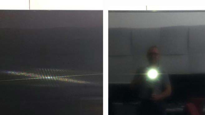 Samsung GQ65Q85R im Test: Das ist der beste QLED-Fernseher! Die Entspiegelung im Vergleich: Smartphone-Blitz und Fotograf spiegeln sich nur schemenhaft im Bildschirm vom Q85R (links) und deutlich stärker im Q60R – der eigentlich schon ordentlich entspiegelt ist.©COMPUTER BILD