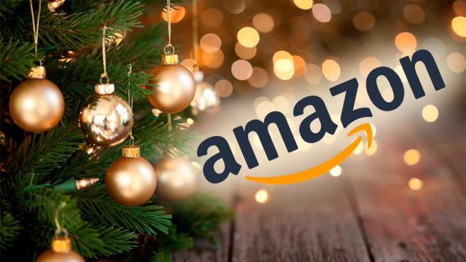 Amazon vor Weihnachtsbaum©iStock.com/Liliboas, Amazon