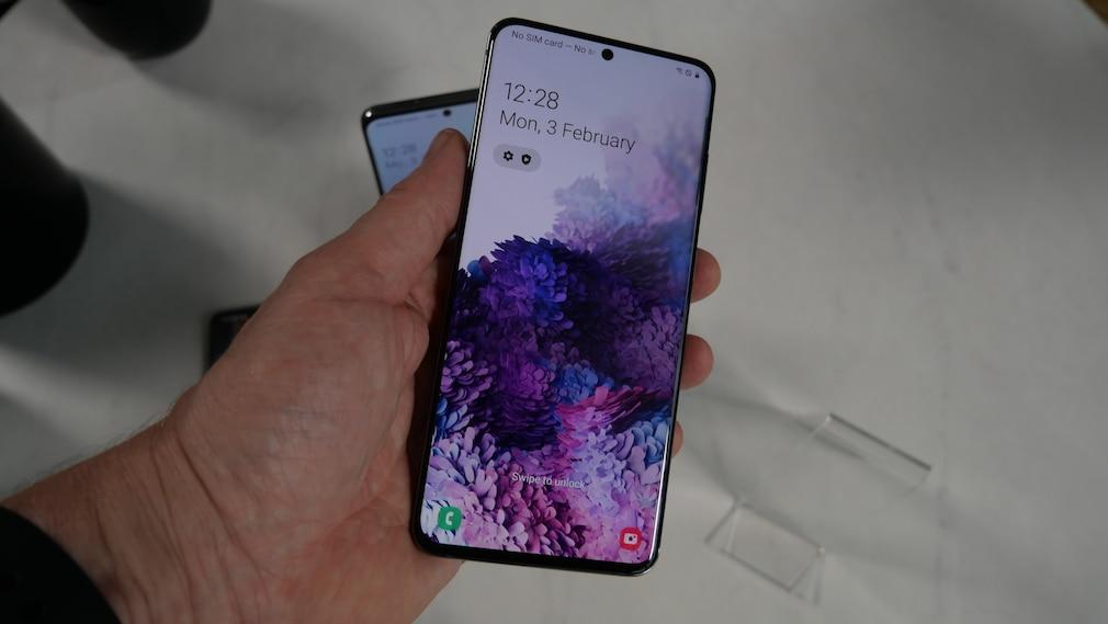 Samsung Galaxy S20: handlich