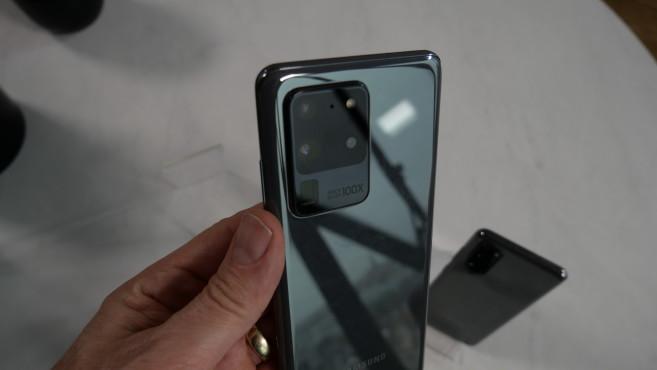 Samsung Galaxy S20 Ultra: Android-Riese mit Rekordausstattung So könnte das Galaxy S20 Ultra aussehen. Rendering: Ben Geskin, hier mit der .©COMPUTER BILD