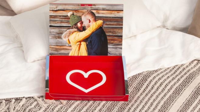 Valentistag-Geschenkbox von Cewe zum Selbstbefüllen©Cewe