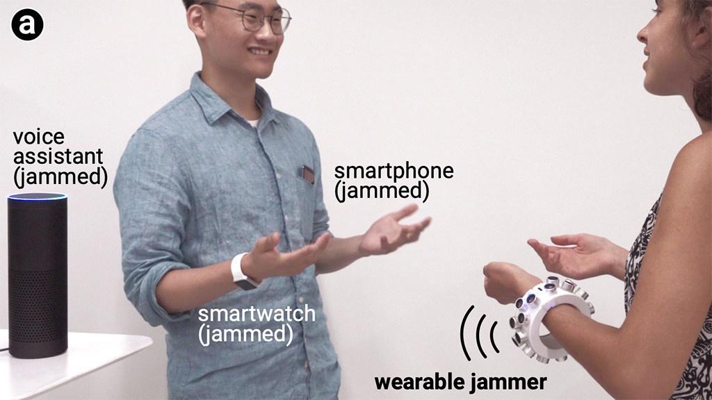 Sendepause: Dieser tragbare Jammer legt Alexa und Co. lahm