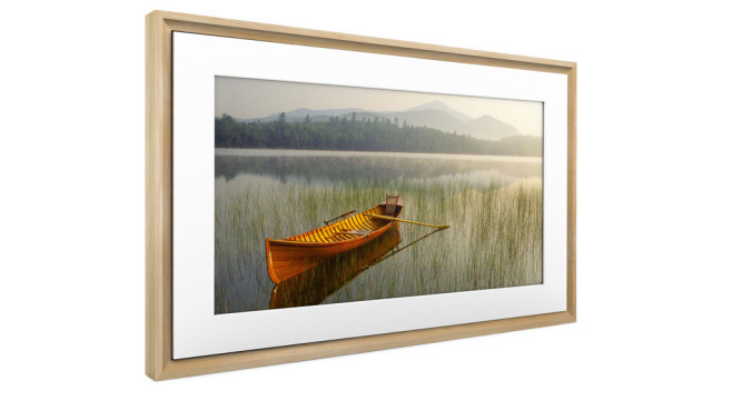 Meural Canvas II mit Holzrahmen©Netgear, Meural