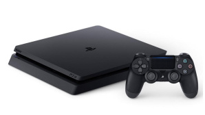 PS4 Slim © Sony