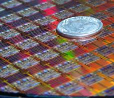 Intel Z-P140: Vier-Gigabyte-Festplatte so klein wie ein Fingernagel Kleiner geht's kaum noch: Bis zu vier Gigabyte fassen die neuen Mini-Festplatten von Intel.