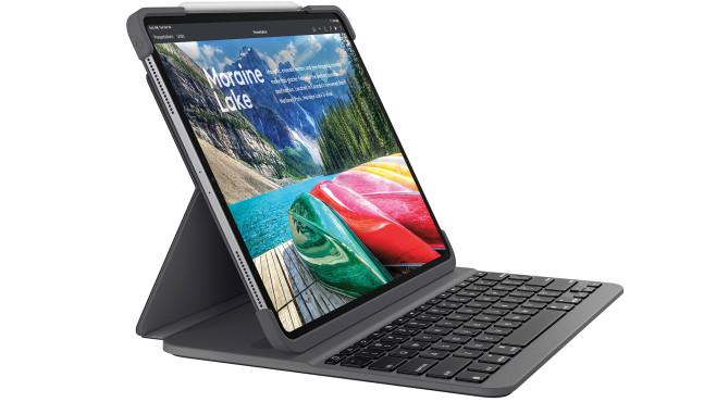 iPad Pro im Slim Folio Pro vor weißem Hintergrund©Logitech