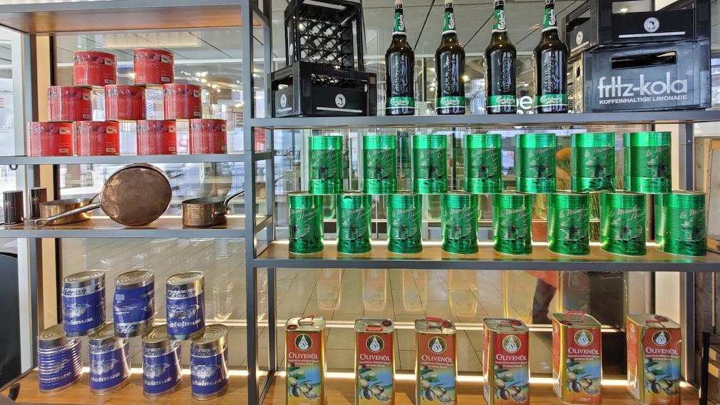 Oppo Find X2 Pro Foto von Flaschen und Dosen