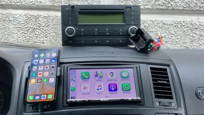 Altes und neues Autoradio im T5©COMPUTER BILD