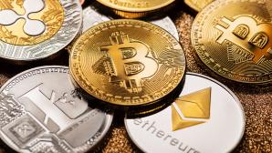Kryptowährung kaufen 2021©iStock.com/dulezidar