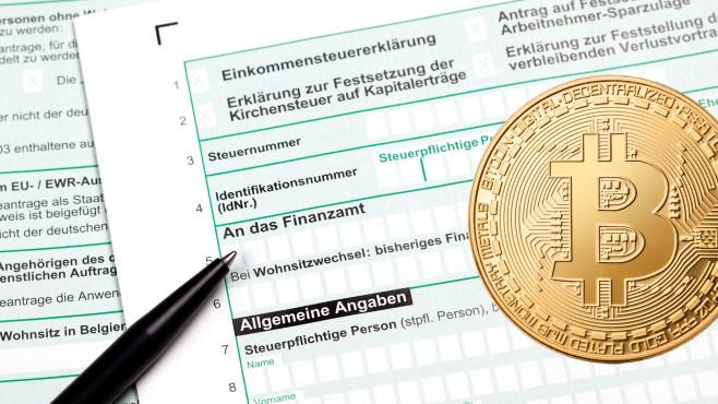 Bitcoin und Steuern©istock.com/malerapaso, iSock.com/ollo