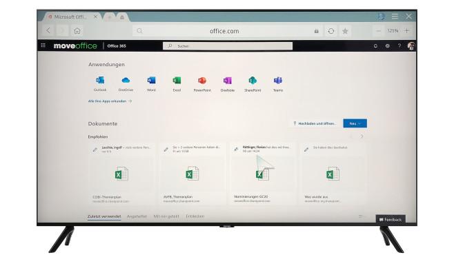 Per WLAN und Netzwerkkabel greift der Samsung TU8079 auf die Microsoft-Cloud©Samsung, COMPUTER BILD