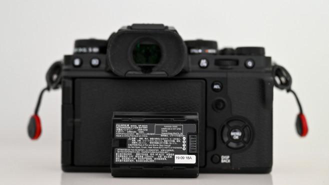 Fujifilm X-T4 Neuer Akku©COMPUTER BILD