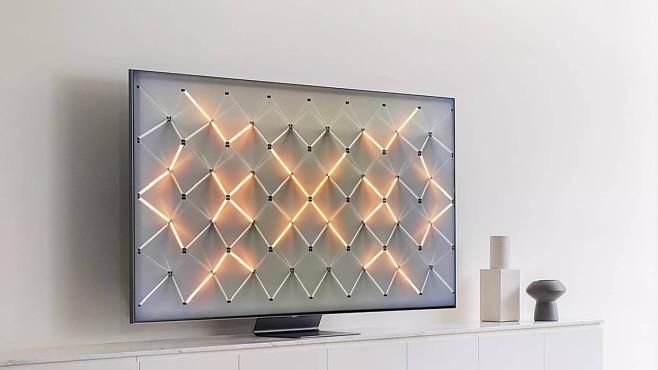 Samsung Q950T im Test: Samsung dreht auf! Im Ambient Mode zeigt der Samsung Q950T hübsche Grafik, Kunstwerke oder auch Fotos des Nutzers – dann stört keine riesige schwarze Fläche im Raum.©Samsung, COMPUTER BILD