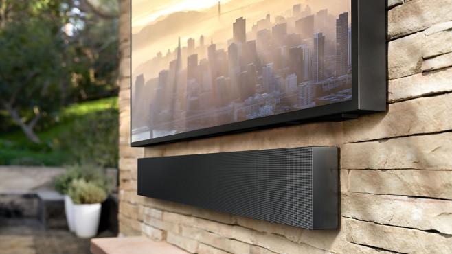 Soundbar unter Samsung The Terrace©Samsung