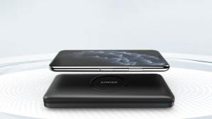 Anker PowerCore Wireless 10K lädt ein Smartphone drahtlos©Anker