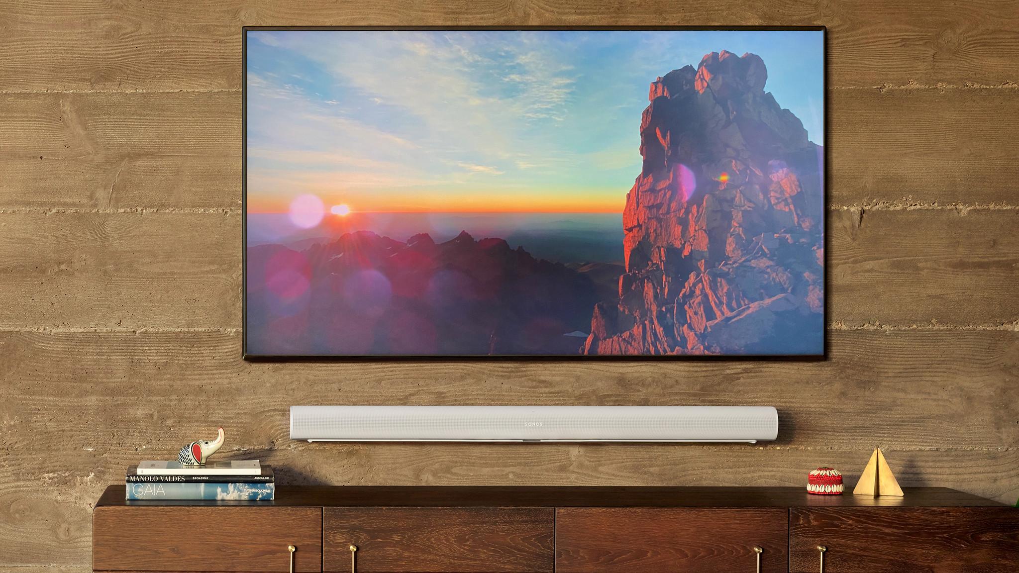 Sonos Arc im Test: Die Soundbar lässt sich problemlos an der Wand befestigen.©Sonos, COMPUTER BILD
