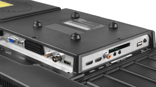Ungewöhnlich in dieser Preis- und Größenklasse ist die Anschlussvielfalt mit drei HDMI-Eingängen, AV-Eingang, Scart und VGA-Einang.©Medion
