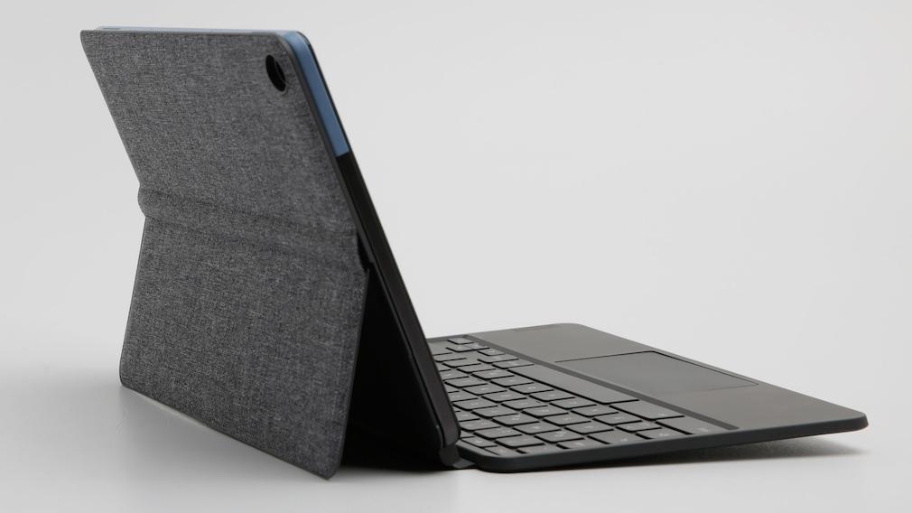 Das Lenovo IdeaPad Duet Chromebook von der Seite.