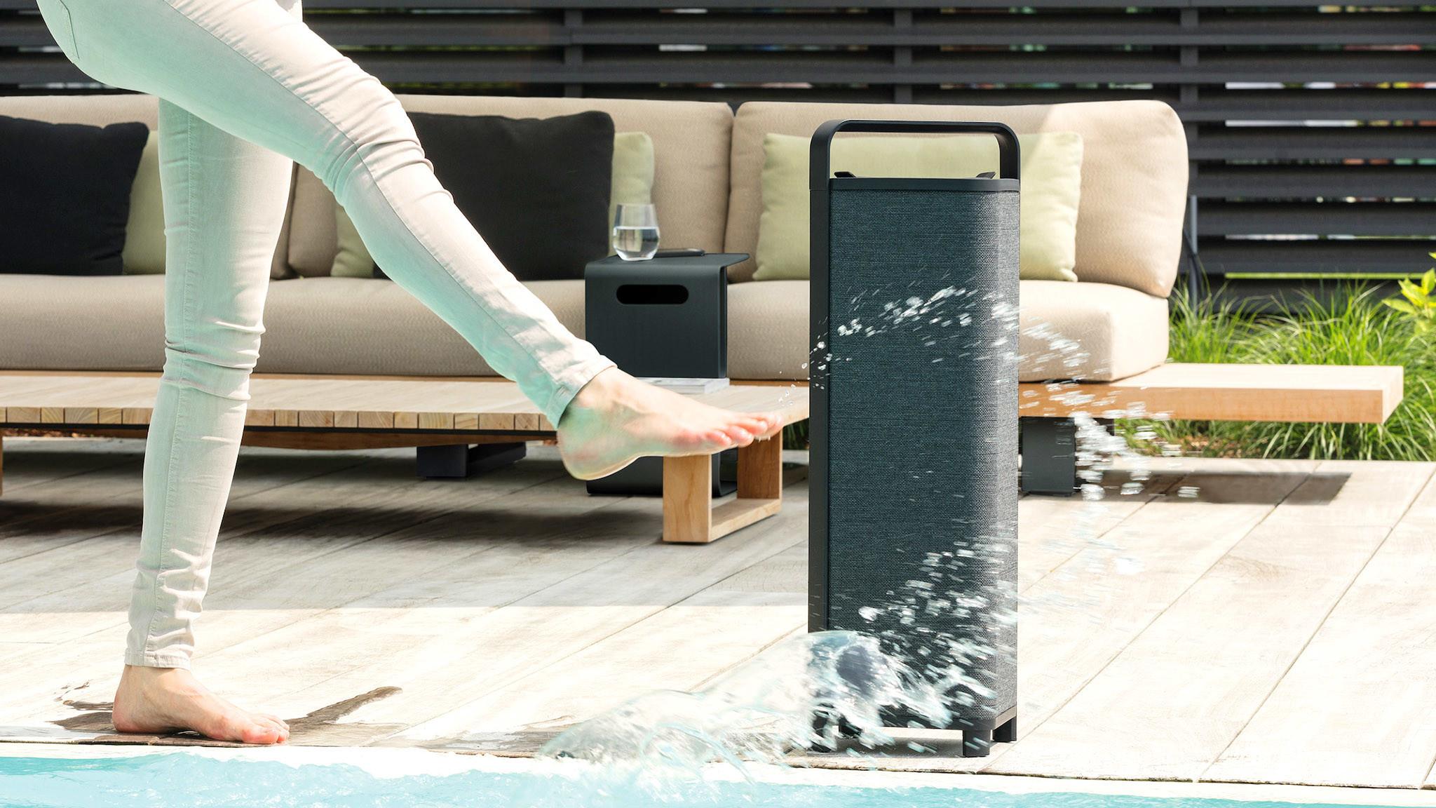 Bluetooth-Lautsprecher Escape P9 im Test: Guter Klang für drinnen und draußen Escape P9 im Test: Der Bluetooth-Lautsprecher verträgt auch ein paar Wasserspritzer.©Escape
