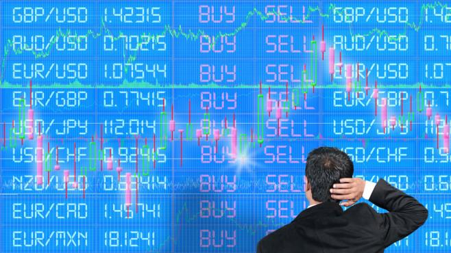 Aktien für Anfänger: Hier erfahren Sie alles Wichtige Auf und ab: Die Kurse an der Börse werden von Angebot und Nachfrage bestimmt. Langfristig sind die Aktienkurse in der Vergangenheit immer gestiegen.©iStock.com/Chunumunu