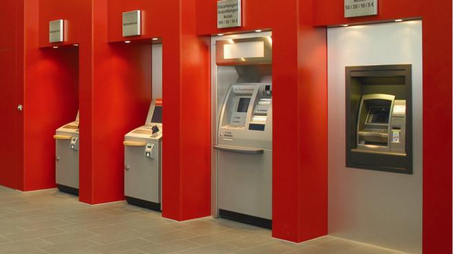 Schalterhalle eine Sparkassen-Filiale©Deutscher Sparkassen- und Giroverband