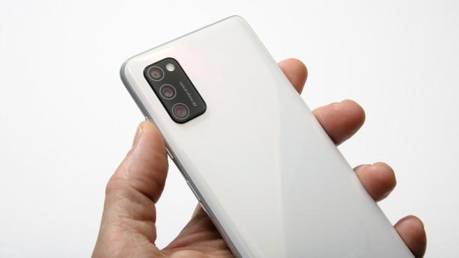 Rückseite des Samsung Galaxy A41 in Weiß©COMPUTER BILD