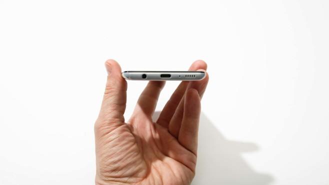 Unterseite des Samsung Galaxy A41 mit USB-C und Klinkenbuchse©COMPUTER BILD