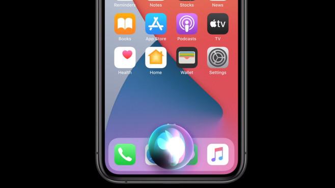 Siri auf iOS 14©Apple