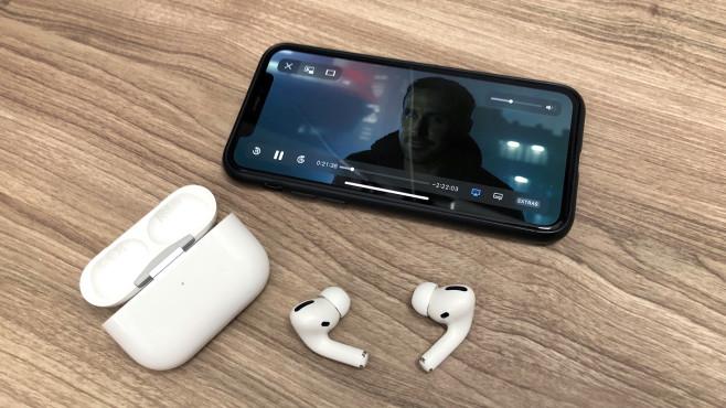 Die Apple AirPods Pro erhalten mit 3D Audio ein interessantes Update mit Head-Tracking-Funktion.©COMPUTER BILD
