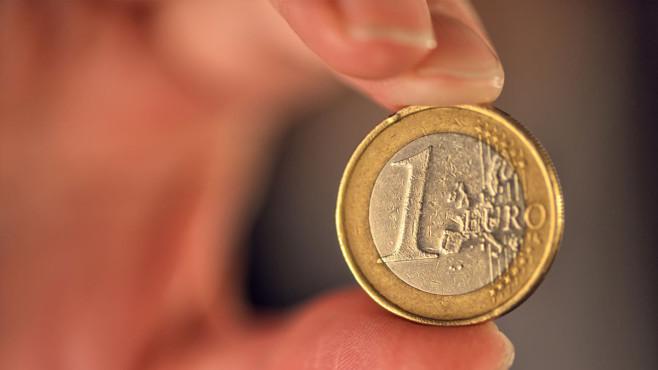 Aktien unter 1 Euro: Schneller Reichtum mit Pennystocks? Die magische Grenze: Im Euro-Raum zählen Aktien unter 1 Euro als Pennystock. In den USA gilt die Definition für Papiere, die weniger als 5 US-Dollar kosten.©iStock.com/stevanovicigor