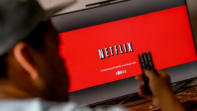 Netflix-Logo auf Fernseher©dpa-Bildfunk