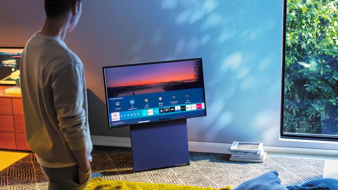Samsung The Sero: Ein Druck auf die Home-Taste blendet die installierten Apps ein – sehr übersichtlich.©Samsung, COMPUTER BILD