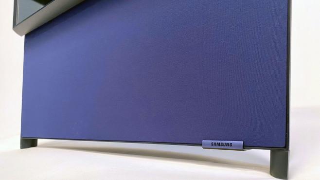 Samsung The Sero: Satter Klang dank fünf Lautsprechern im schweren Sockel.©COMPUTER BILD