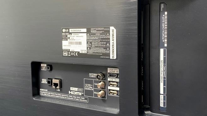Kopfhörerausgang auf der Rückseite des LG OLED CX©COMPUTER BILD