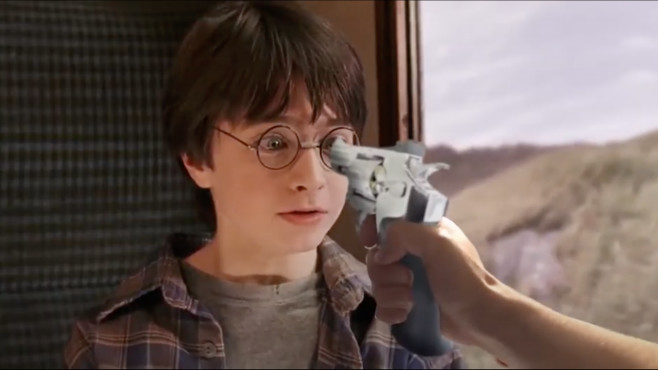 Harry Potter With Guns © Warner Bros. / harrypotterwithguns.com