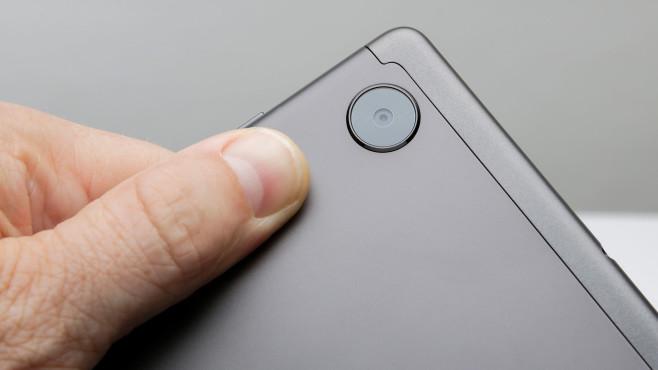 Die Kamera des Lenovo Smart Tab M10 FHD Plus in der Nahaufnahme.©COMPUTER BILD