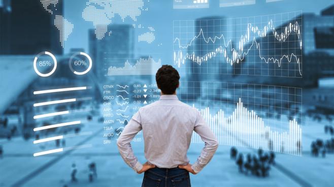 Unterbewertete Aktien finden: So gehen Sie vor Unterbewertete Aktien: Mit Intuition und Analyse auf der Suche nach Aktien mit Potenzial©iStock.com/NicoElNino