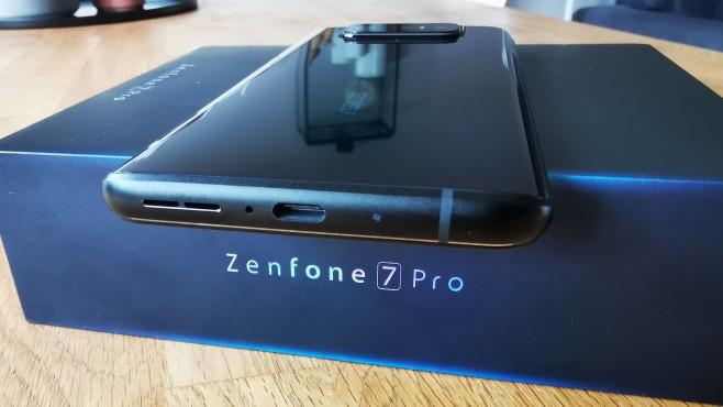 Asus Zenfone 7 Pro©COMPUTER BILD / Michael Huch
